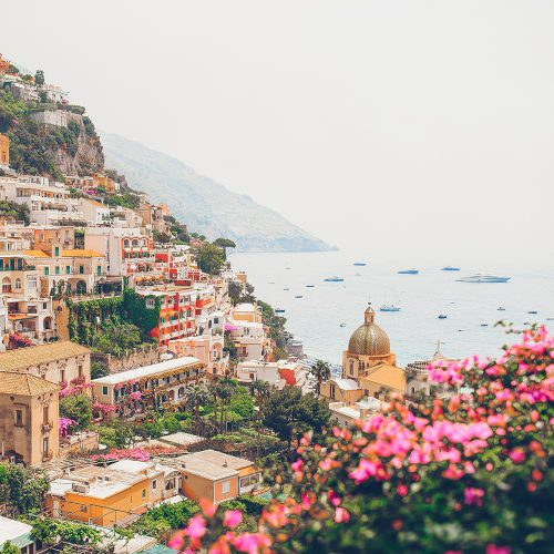1view-of-the-town-of-positano-with-flowers-JLHBU34-min