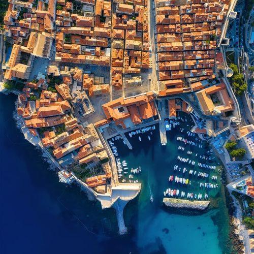 dubrovnik-croatia-aerial-view-on-the-old-town-vaca-XT24GJW-min