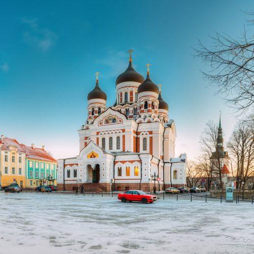 tallinn-estonia-morning-view-of-alexander-nevsky-c-PZ9WVWV-min